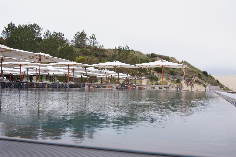 Piscine de l'hotel avec une vue magnifique sur le banc d'Arguin