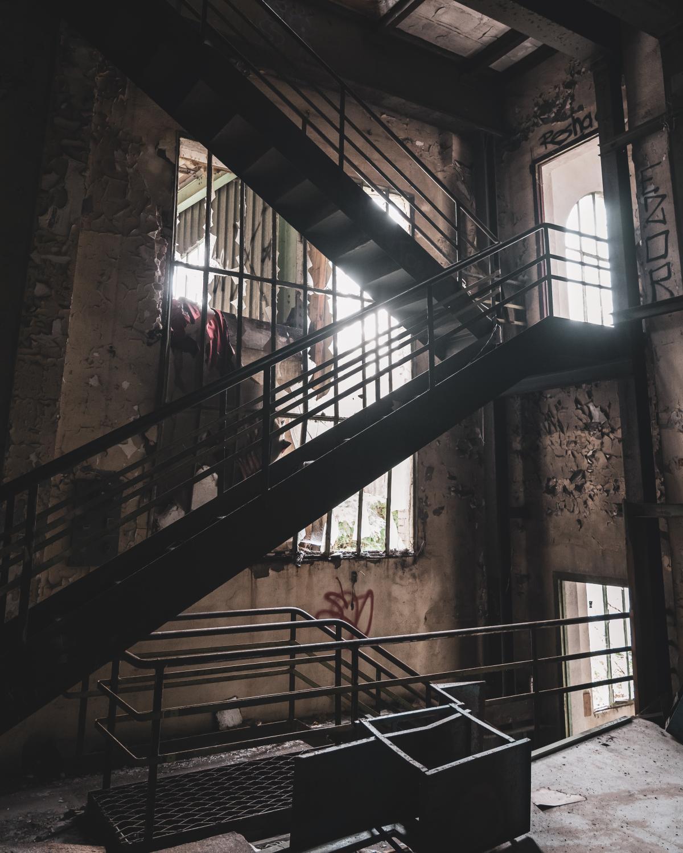 Escalier d'une ancienne usine