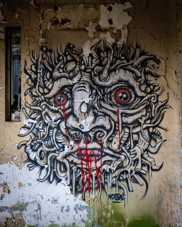 Graff dans usine désaffectée